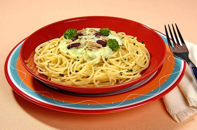Espaguete ao molho de Brócolis e Atum